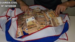 Els passatgers portaven 1.000.000 d'euros en les maletes