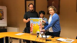 Gabriel Martínez, president del Ball de Gegants; Núria Batet, regidora de Cultura de l'Ajuntament de Torredembarra; i Laia Sotoca, secretària de l'entitat.