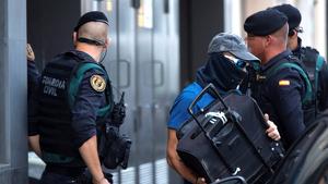 Guàrdia Civil en els escorcolls a casa els CDRs detinguts dilluns
