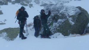 Imagen de los agentes del GREIM y del EREIM durante la operación