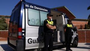 Imatge d'arxiu de dos agents de la Guàrdia Urbana de Tarragona.
