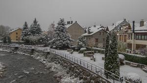Imatge de la nevada a Esterri d'Àneu aquest dijous