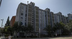 Imatge d'un dels edificis de Campclar, a Tarragona, on s'han denunciat ocupacions il·legals en els últims mesos.