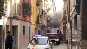 Incendi en un edifici del carrer Alt del Carme de Reus