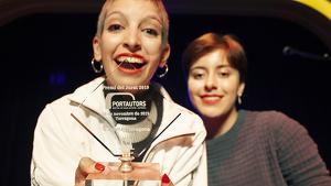 La jove cantant, Yuhniversia, va guanyar  el premi del jurat de la 2a edició del PortAutors