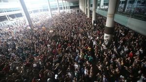 L'Aeroport del Prat ha estat el principal objectiu de les concentracions liderades pel 'Tsunami Democràtic' aquest dilluns