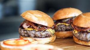 Las hamburguesas son uno del los platos más consumidos