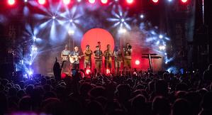 Les imatges del gran concert d'Oques Grasses i Segonamà a TGN organitzat per BASF
