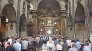 L'església del Vendrell, plena en el comiat al Mossèn Jordi Barenys.