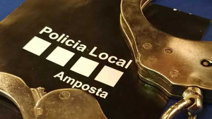Llibertat amb càrrecs per al veí de Poble Nou detingut al col·legi electoral amb una pistola carregada
