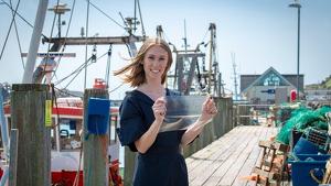 MarinaTex, el sustituto del plástico a partir de deshechos de pescado
