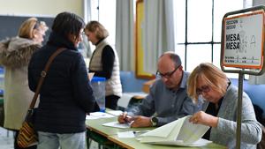 Mesa de les eleccions 10-N.
