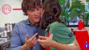 Tamara Falcó casi le hace la cobra a Jordi Cruz