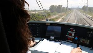 Tren laboratori d'Adif recorrent el tram Cambrils-Hospitalet de l'Infant del Corredor del Mediterrani