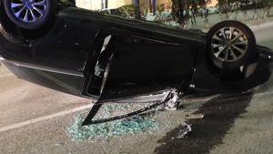 Una dona de 51 anys ha donat positiu en alcoholèmia després de bolcar el cotxe a Sant Pere i Sant Pau