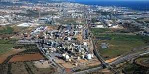 Una imatge d'arxiu del polígon químic sud de Tarragona.