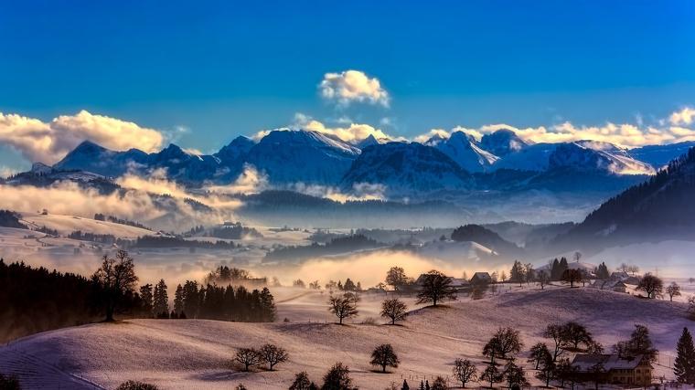 El sábado será generalmente despejado y frío, y domingo las nubes y la lluvia cubrirá casi todo el país