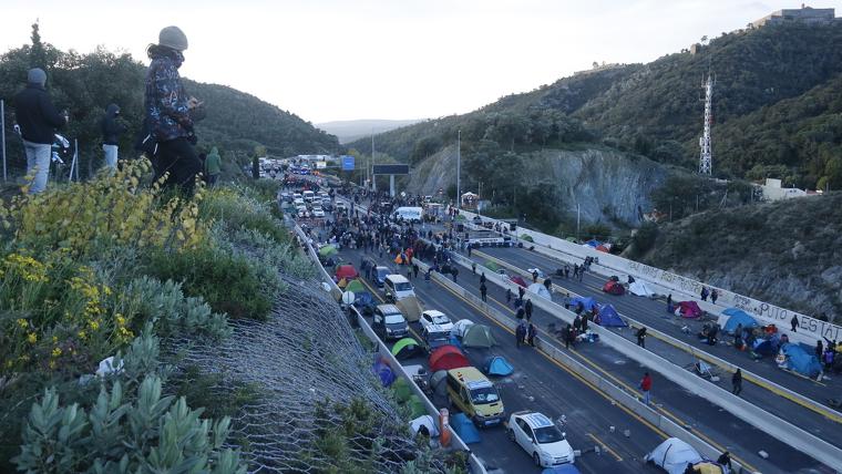 Tall de Tsunami Democràtic a La Jonquera