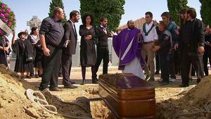 Enterrament a la sèrie 'La que se avecina'