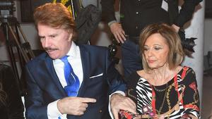 La periodista Maria Teresa Campos y Edmundo 'Bigote' Arrocet durante la gala 'Guapo de España 2019' en Málaga el sábado 19 de enero de 2019