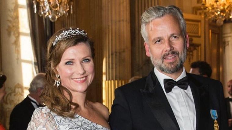 Marta Luisa de Noruega junto a Ari Behn en una recepción