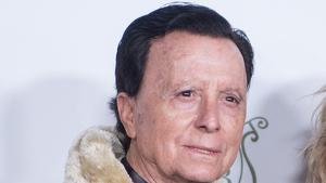 José Ortega Cano posando junto a su mujer en la premiere de la película 'La suite nupcial'. 9 de enero del 2020
