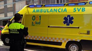 Policía de Zaragoza y ambulancia 061