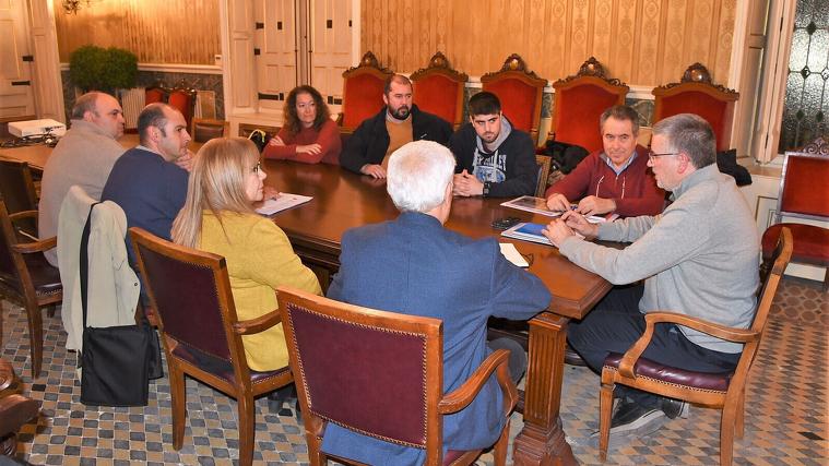 El govern de Tarragona es va reunir aquest dilluns a la tarda amb les entitats en defensa del ferrocarril