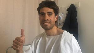 El ciclista Mikel Landa en el Hospital tras ser atropellado