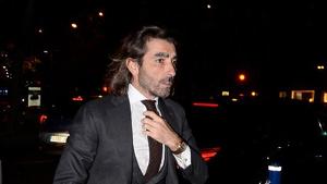 Javier Hidalgo en plena calle caminando