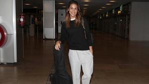 Lara Álvarez en el aeropuerto para poner rumbo a Honduras. 12 de febrero de 2020