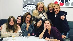 María Patiño con Belén Esteban, Mila Ximénez, Chelo García Cortés y otras compañeras de 'Sálvame'