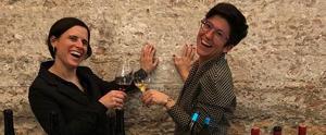 Una imatge de la complicitat de les dues vinateres a la Barcelona Ween Week