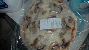 Imagen de una pizza distribuida de forma ilegal desde Azuara, Zaragoza