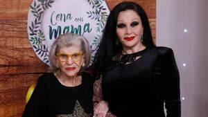La cantante Alaska junto a su madre, América, en el programa 'Cena con mamá'. Madrid, 23 de abril de 2019