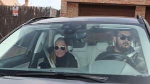 Belén Esteban llega a la casa de Toño Sanchis con su marido