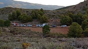 Imagen de los servicios de rescate atendiendo a un cazador en Almería