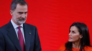 El rey Felipe VI y la reina Letizia Ortiz en la ceremonia de entrega de las acreditaciones a la promoción 8 de embajadores honorarios de la Marca de España en Madrid el martes 03 de marzo de 2020.