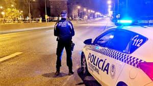 Imagen de la Policía Municipal de Madrid junto a un coche policial