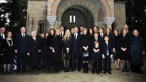 La Familia Real Griega en el homenaje a los reyes Pablo I de Grecia. 2014