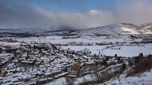 Imatge de Llívia sota una nevada