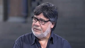 Imagen del escritor Luis Sepúlveda en una entrevista de 'Página Dos' de RTVE