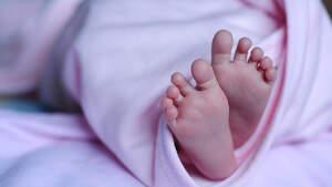 Pies de un recién nacido