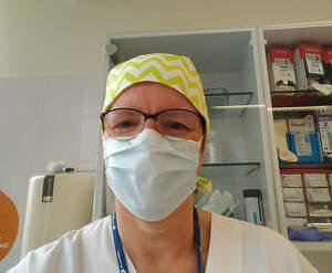 Olivé, treballant com a infermera
