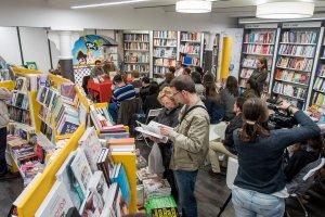 Signatures de llibres per Sant Jordi a Galatea Reus