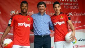 Josep Maria Andreu amb Uche a la seva dreta i Delgado a la seva esquerra.