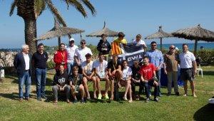 Foto de grup dels medallistes del CN Salou