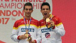 Gerard Descarrega i Marcos Blanquiño llueixen l'or dels 400 metres llisos en la categoria T11