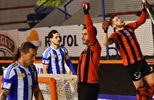 Salvat celebra el primer gol del partit.