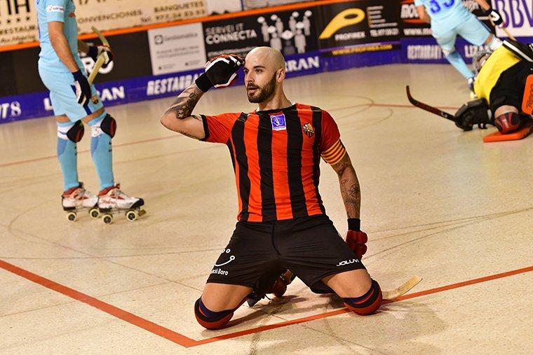 Raül Marín celebrant un dels gols marcats a un Barça que va perdre al Palau d'Esports